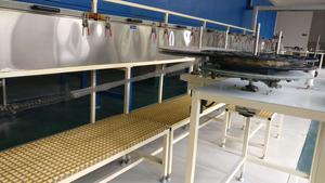 喷涂加工:采用电泳工艺、制作出的产品具有图层丰满、均匀、平整、光滑的优点。